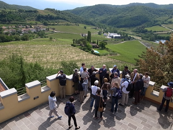 IPSI members visit a local winery to learn about landscape uses in Tuscany today.