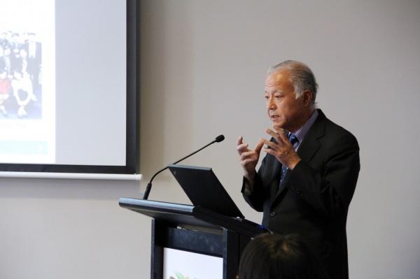 Prof. Kazuhiko Takeuchi gives the keynote address