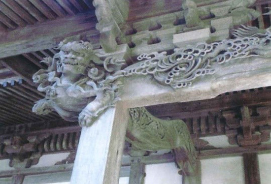 ◆Shogenji Temple (carving of lion head on the architrave)