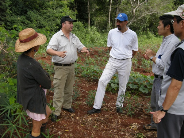 Picture 4. Interview with a chacra landowner (woman to the left) (Photo by JWRC)