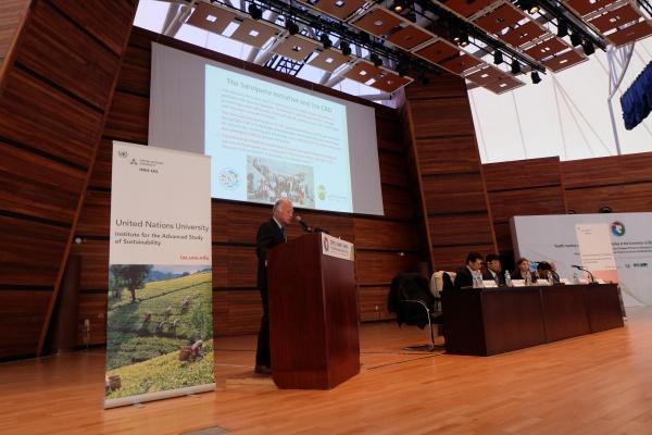 Prof. Kazuhiko Takeuchi delivers the keynote address
