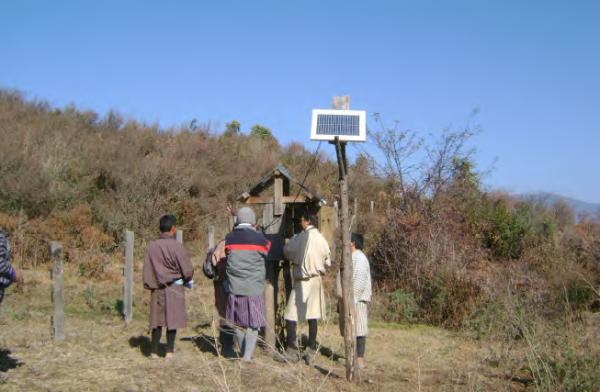 Installing solar fencing to mitigate human-wildlife conflicts, Yenangbrangsa, COMDEKS Bhutan